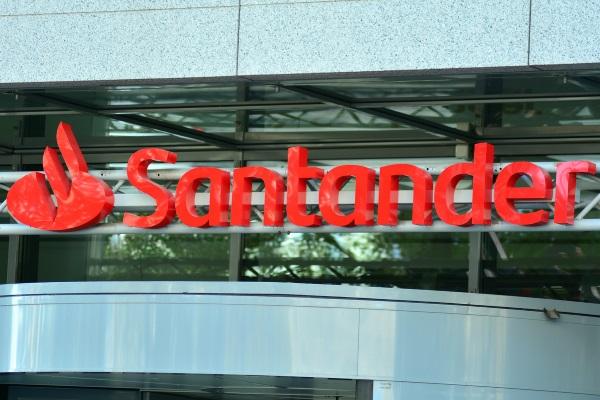 Santander_Grand_Warszawski_shutterstock