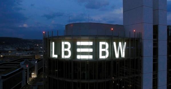 lbbw_stuttgart_bei_nacht_web