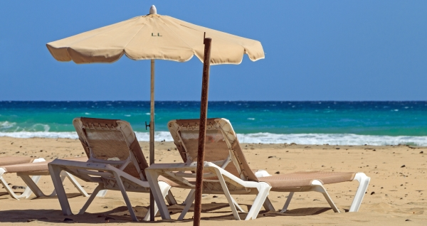 Beach_chairs_-_Playa_del_Matorral web